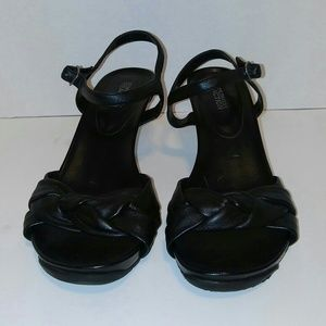 Kenneth Cole Reaction Shoes - Sz 8.5 Kenneth Cole Black Leather heels