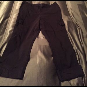 Motherhood maternity large black Capri pants