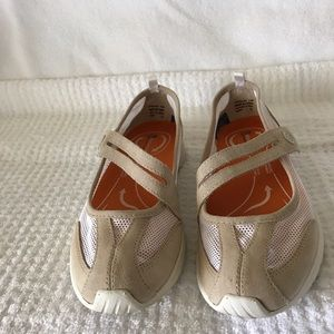Rockport Shoes - ROCKPORT Rosella Walking Shoes. Price is FIRM.