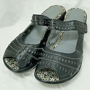 Jambu Shoes - JAMBU Sz 7 Black Slip On Open Toe Sandals