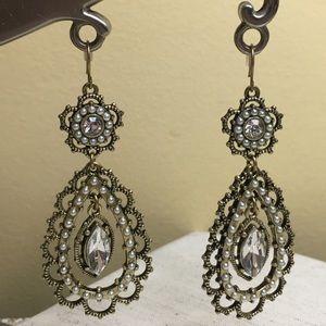 Chloe + Isabel Jewelry - Chloe + Isabel drop earrings