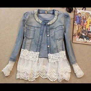 Jackets & Blazers - 💖💖HP💖💖It's BACK 🎉🎉🎉Jean lace jacket