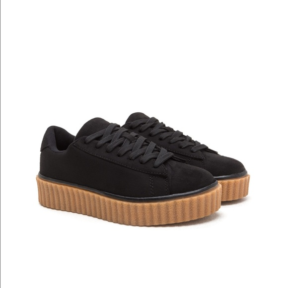 1dd36be8a42 Jeepers Creepers Platform Sneakers. M 58b6efcfeaf030a73213a074