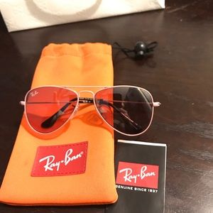 Gucci Other - Ray Ban sunglasses
