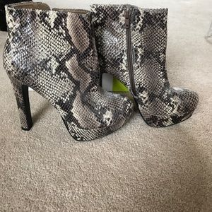 Ladies faux snakeskin boots