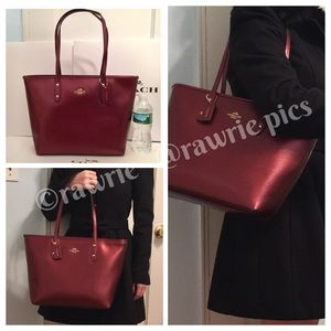 New Coach metallic leather burgundy city zip tote
