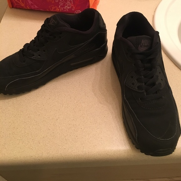 nike air max size 5.5black