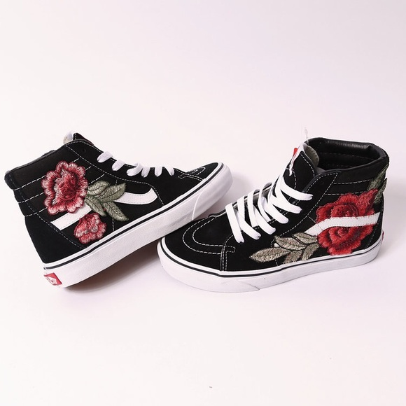Custom rose patch Vans sk8-hi NWT