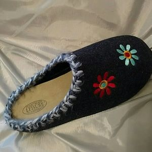 Foamtreads Shoes - Right foot slippet only.  Size 10