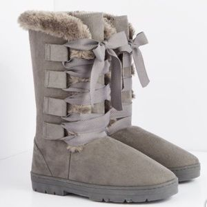 Shoes - 🆑Firm Price✂️ Lace Up Winter Boots