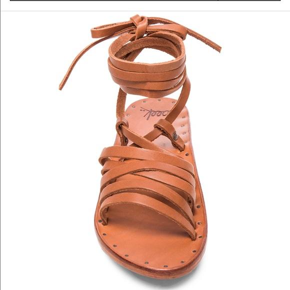 c202b5c6535 beek Shoes - BEEK HERON LEATHER SANDALS