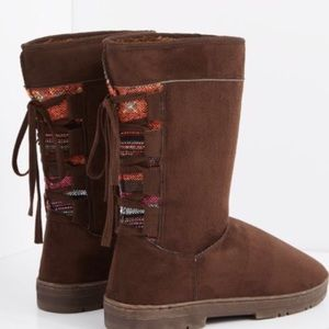 Shoes - 🆑Firm Price✂️ Tribal Winter Boots