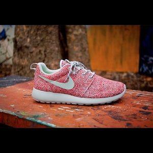 "Shoes - Nike Roshe ""Dots Pack"""