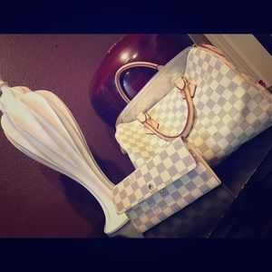 Louis Vuitton Handbags - Gently used Louis Vuitton purse and wallet