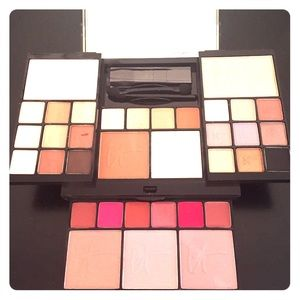it cosmetics  Other - IT Cosmetics All-in-One Makeup Palette *NEW*