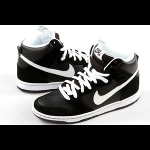 Nike Other - NIKE SB DUNK HIGH PRO SHOES