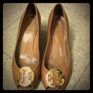 Tory Burch tan with gold emblem Reva wedges
