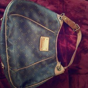 Louis Vuitton Handbags - Louis vutton handbag