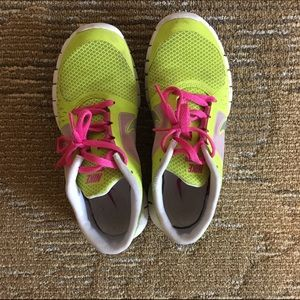 Nike Other - Nike free run 3.0. BIG KID SIZE 5.5/WOMEN SIZE 7
