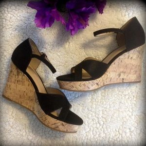 Jaclyn Smith Shoes - Cute black Wedges