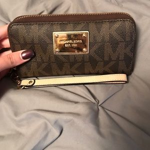 Michael Kors Handbags - Michael Kora Wallet