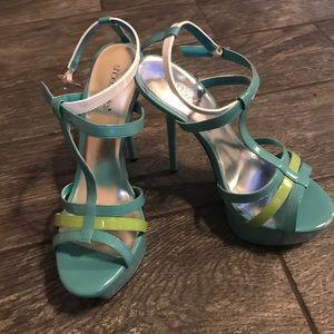 FLASH SALENWOT 8.5 ShoeDazzle heels 