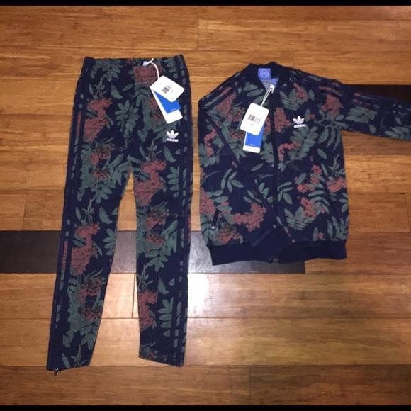 6128638a7687 Adidas Floral Sweatsuit ( 7-8y)