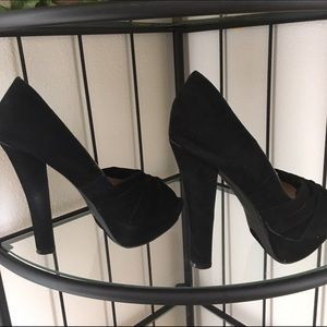 Liliana Shoes - Liliana Black Suede Super tall Pumps size 7.5