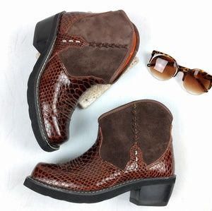 Ariat Other - NWOB Ariat Ankle Boots Brown Croc & Suede 7.5