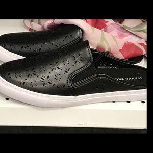 Ivanka Trump Shoes - ❤️SALE❤️Ivanka TrumpaALLSZs floralCutout Slipons