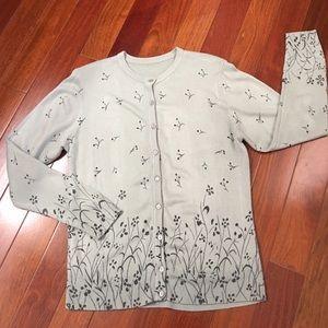 Sweaters - Cardigan w/ pretty design