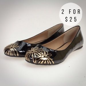Soda Shoes - Black with Gold Metal Flowers Flat