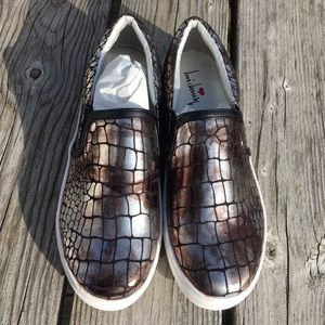 Luichiny Shoes - A5️⃣🌟! Luichiny Silver Reptile Print Loafers! NEW