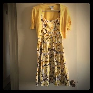 Yellow floral adorable dress!