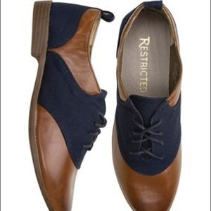 Restricted Shoes - Two toned Oxford shoes