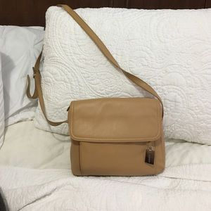 aurielle Handbags - Tan crossbody brand new