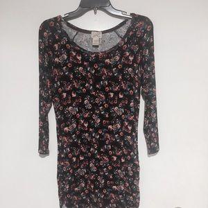 Mini dress/long shirt.Material Rayon and Spandex.