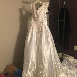 Mori Lee Dresses & Skirts - Wedding dress. : never worn !! Mori Lee
