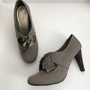 Ann Marino Shoes - 💖 Brown herringbone heels with satin bow tie