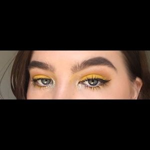 Mac 'Chrome Yellow' Matte Eyeshadow