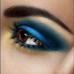 Mac 'Freshwater' Veluxe Pearl Eyeshadow