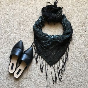 Accessories - Boho black fringe scarf