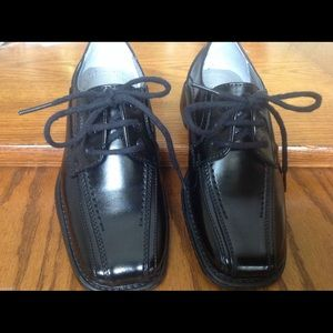 Stacy Adams Other - Stacy Adams Boys 9 Dress Shoes Black Lace-up
