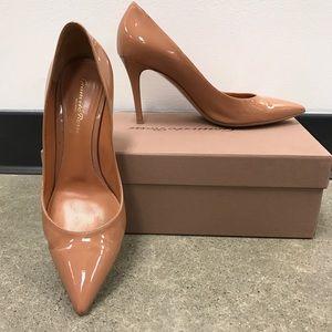 Gianvito Rossi Shoes - Gianvito Rossi Nude patent pumps