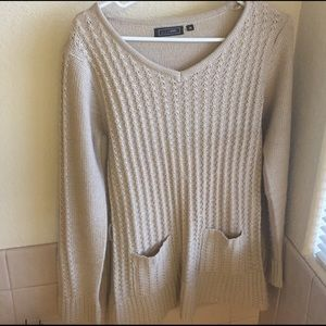 Sweater with front pockets