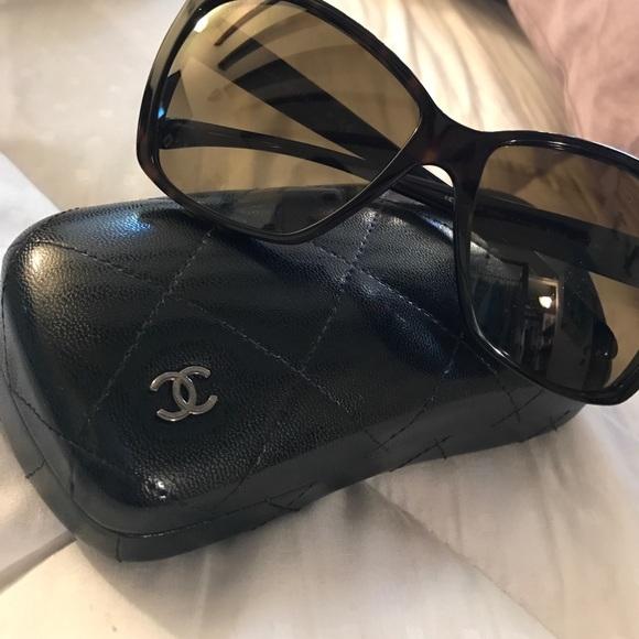03edc64c292d2 Chanel Tortoise Glitter Sunglasses Model 5203✨
