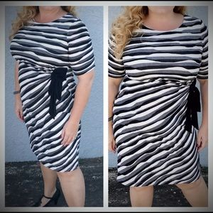Connected Apparel Dresses & Skirts - Beautiful Striped Slimming Bodycon Dress 14