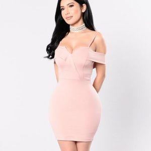Fashion Nova Dresses & Skirts - Natasha Dress Size XS Fashion Nova, color Mauve