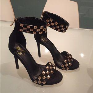 Fergie Shoes - Black heels