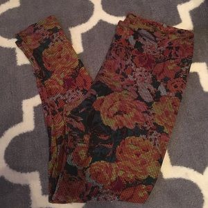 LuLaRoe Tall and Curvy floral cross stitch legging